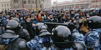 (Hình: AP Photo/Alexander Zemlianichenko)